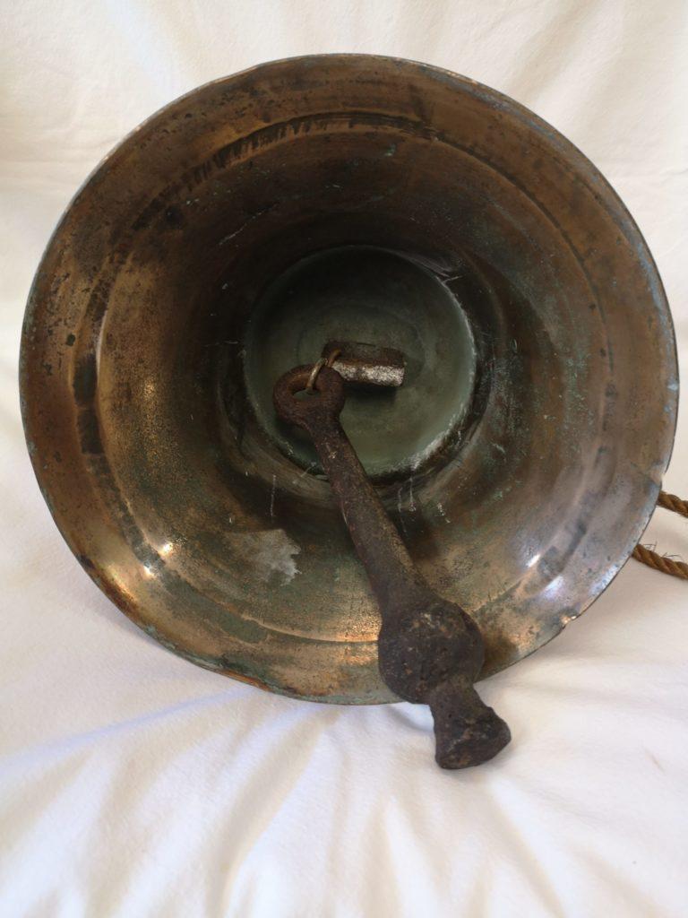 cloche-bronze-marine